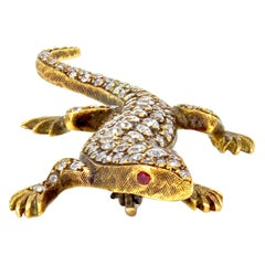 1960s 18 Karat Yellow Gold Gecko Brooch with Diamonds and Rubies