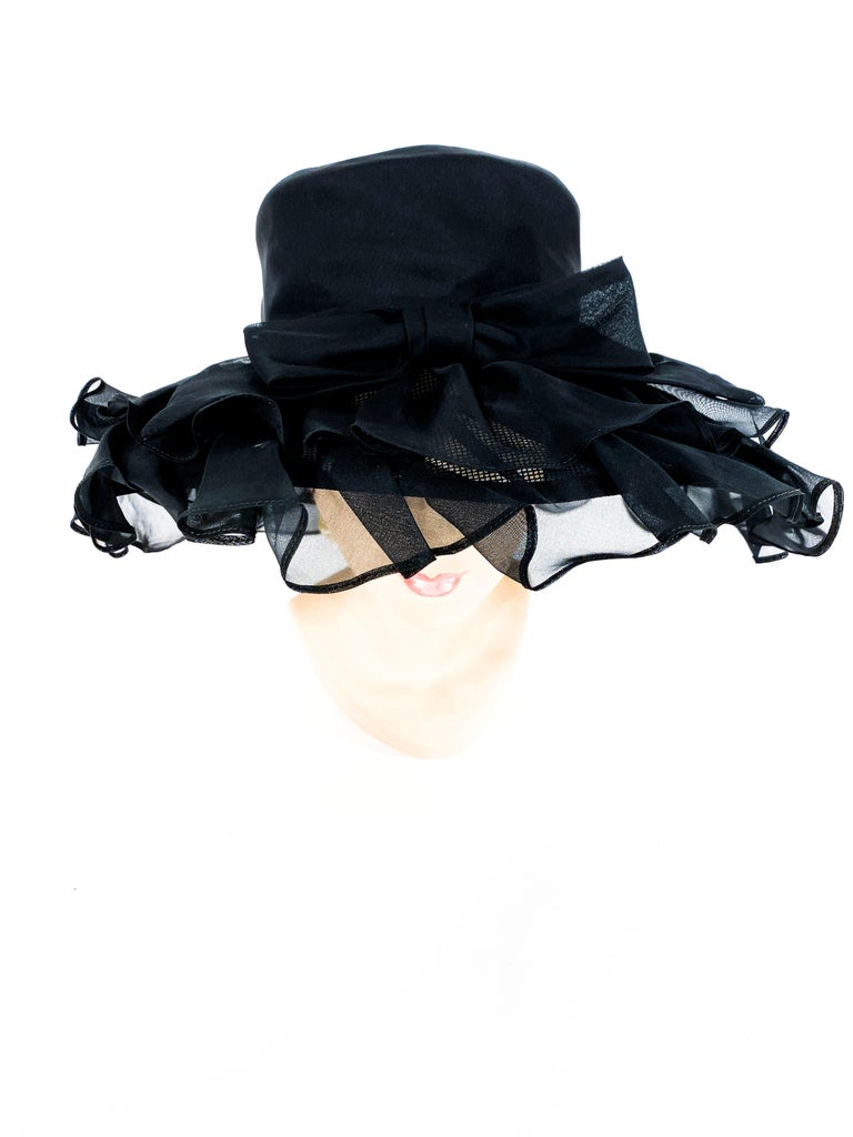 1960s/1970s Black Ruffled Wide Brimmed Hat In Excellent Condition For Sale In San Francisco, CA