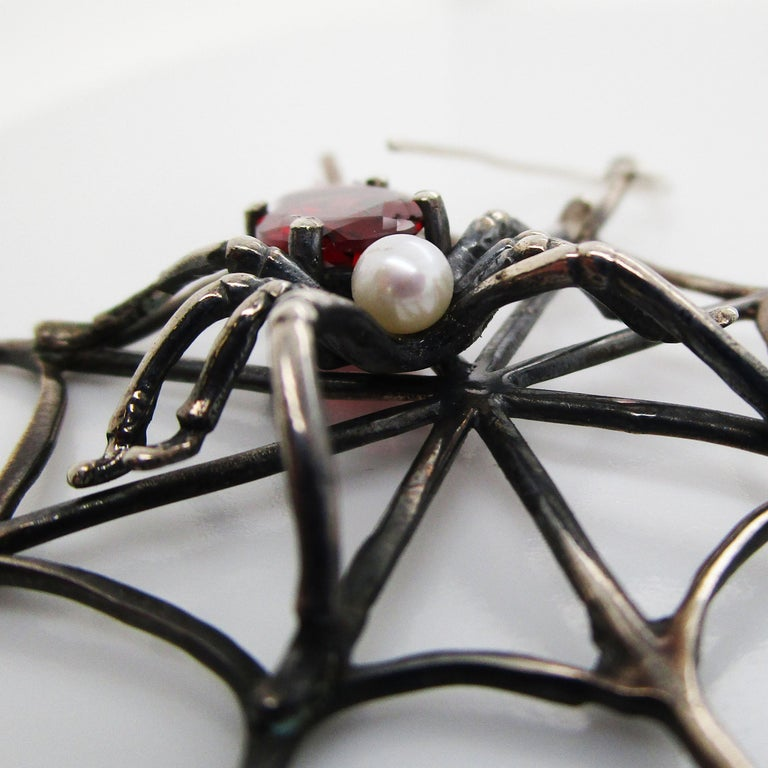 1960s 4 Carat Red Garnet Sterling Silver Handmade Spider Dangle Earrings In Excellent Condition For Sale In Lexington, KY
