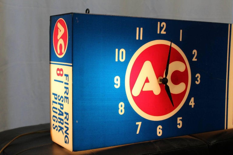 1960s AC Fire Ring Spark Plugs Spark Plug Box Shaped Light-Up Plastic Clock