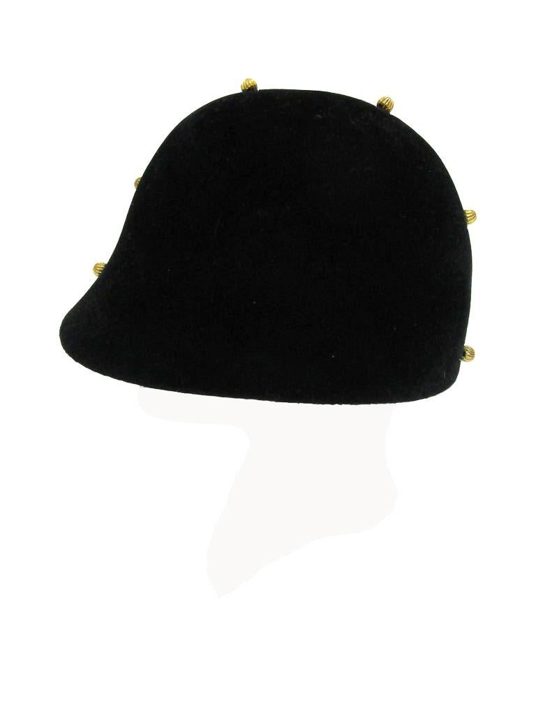 1960s Adolfo Black Velvet Equestrian Hat With Gold Embellishments In Excellent Condition For Sale In Houston, TX