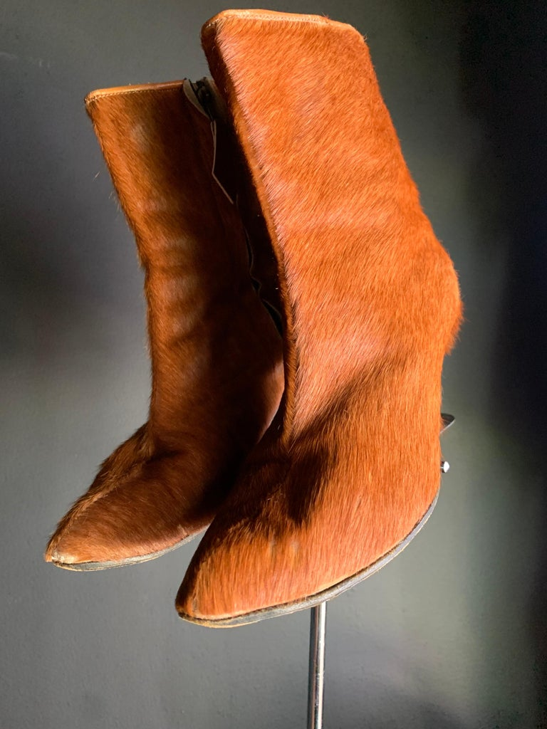 1960s Albertina Fawn Color Pony Mod Go-Go Booties From Italy In Excellent Condition For Sale In San Francisco, CA