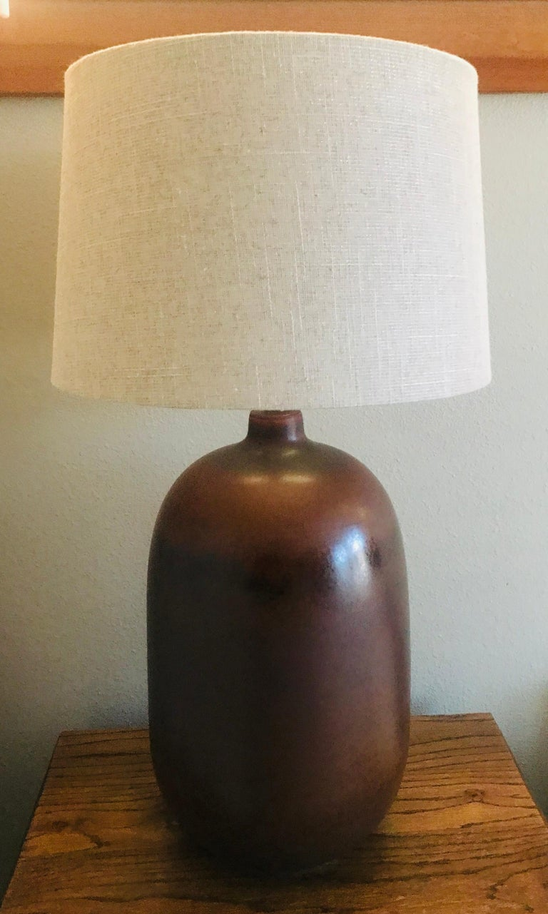 1960s American Pottery Table Lamp For Sale 2