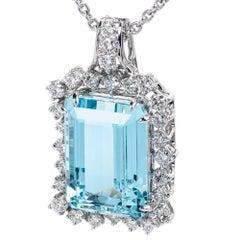 1960s Aquamarine Diamond Platinum Pendant Chain Necklace