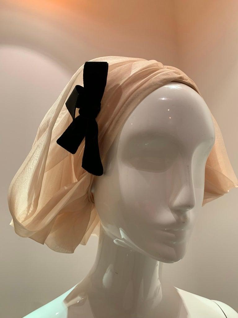1960s Avant Garde Sonni Blonde Silk Organza Kerchief Styled Pleated Hat W/ Bow For Sale 3
