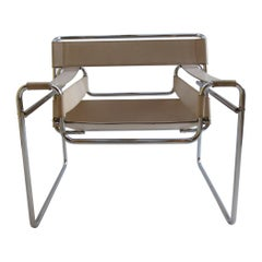 1960s B3 Wassily Chair Cream Leather by Marcel Breuer for Gavina, Italy Bauhaus
