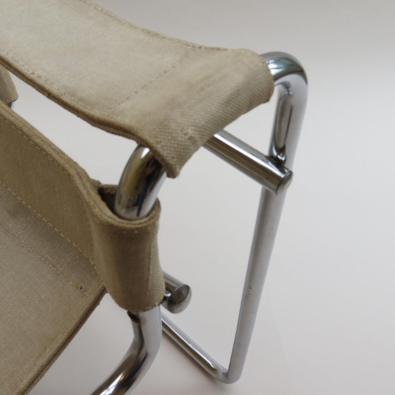 Machine-Made 1960s B3 Wassily Chair in Beige Canvas by Marcel Breuer for Gavina Bauhaus B