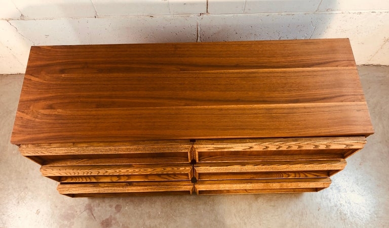 1960s Bassett Furniture Walnut Low Dresser In Good Condition For Sale In Amherst, NH