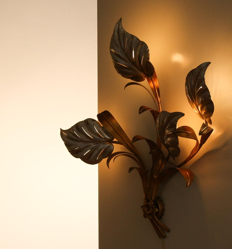 Metal 1960s, Beautiful Large Floral Italian Wall Light For Sale