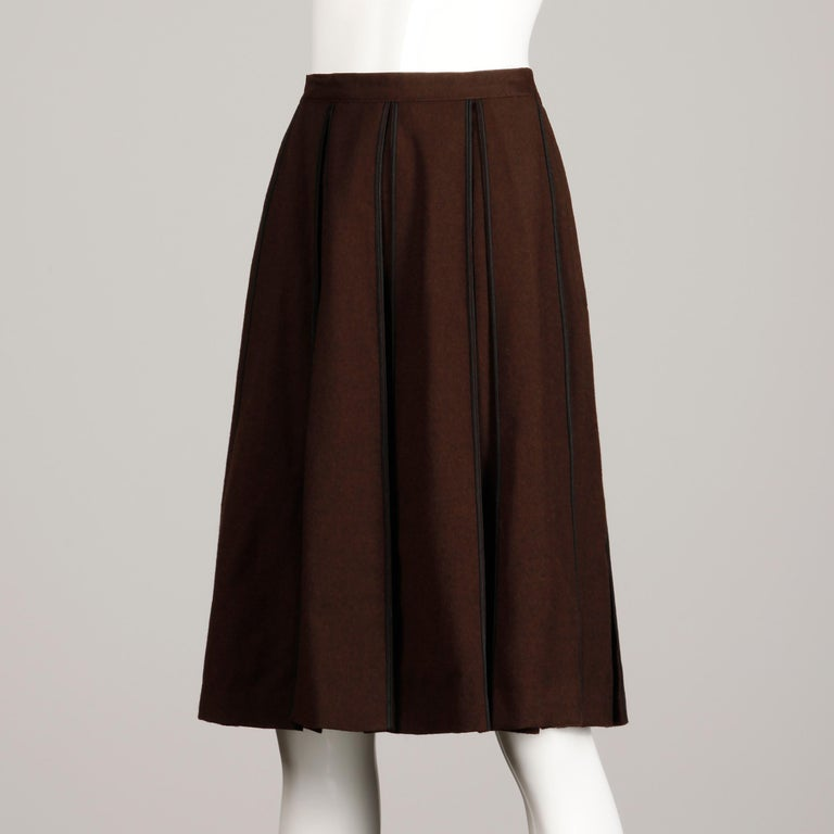 1960s B.H. Wragge Vintage Brown Wool Skirt with Box Pleats + Black Cord Trim For Sale 3
