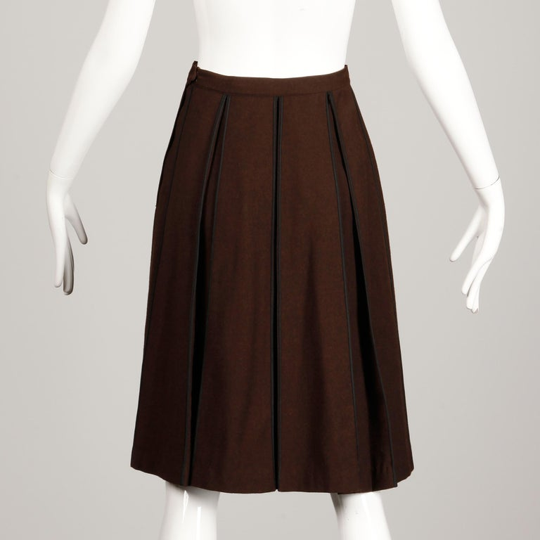 1960s B.H. Wragge Vintage Brown Wool Skirt with Box Pleats + Black Cord Trim For Sale 4