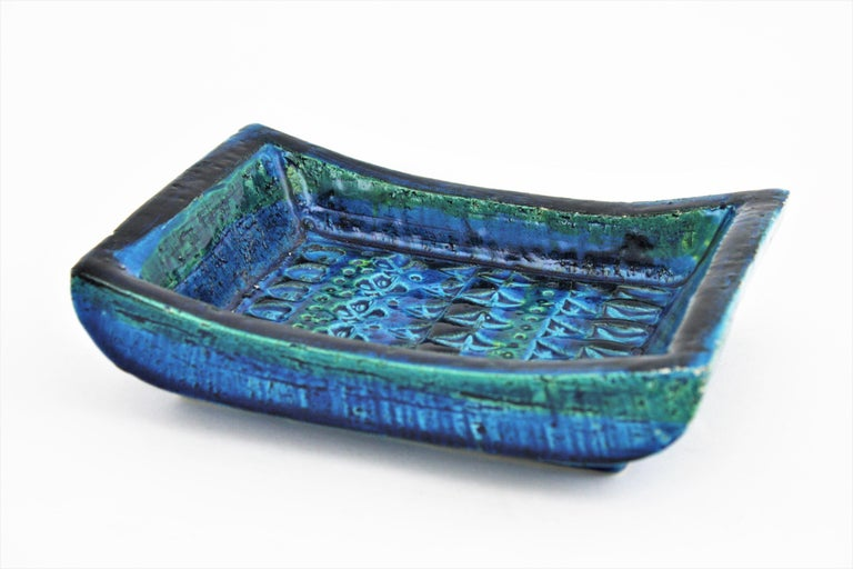 1960s Bitossi Aldo Londi Rimini Blue Glazed Ceramic Rectangular Bowl  In Excellent Condition For Sale In Barcelona, ES