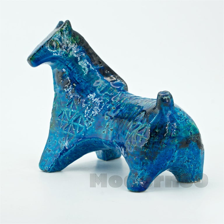 Harder to find vintage petite horse. Designed by Aldo Londi in the Blue Rimini style series for Bitossi, Italy.