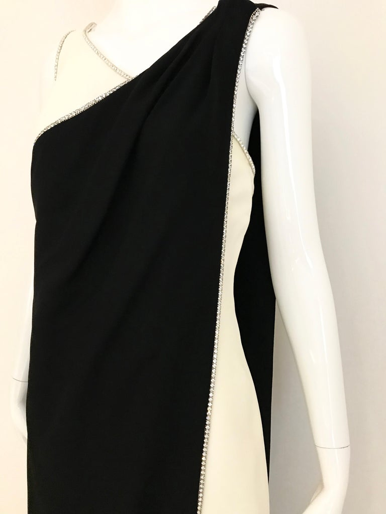 1960s Black and Cream Crepe Gown  For Sale 8