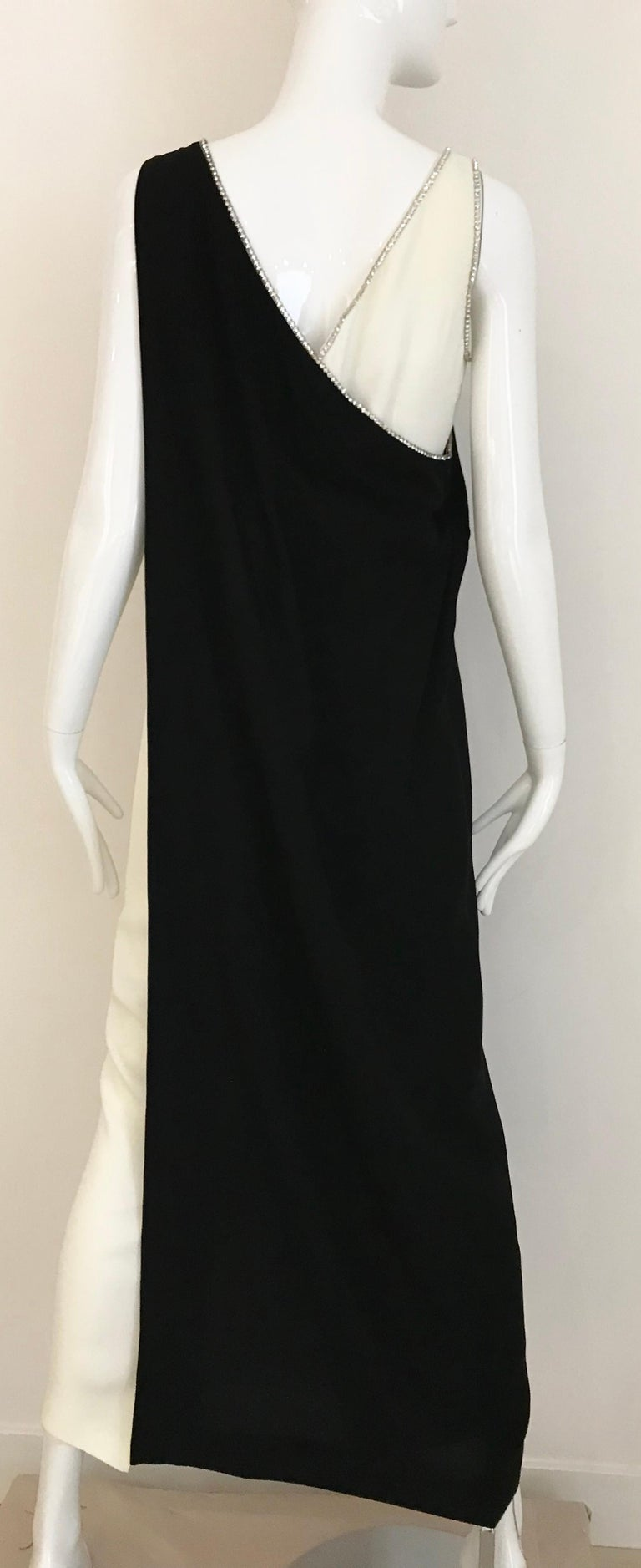1960s Black and Cream Crepe Gown  For Sale 2