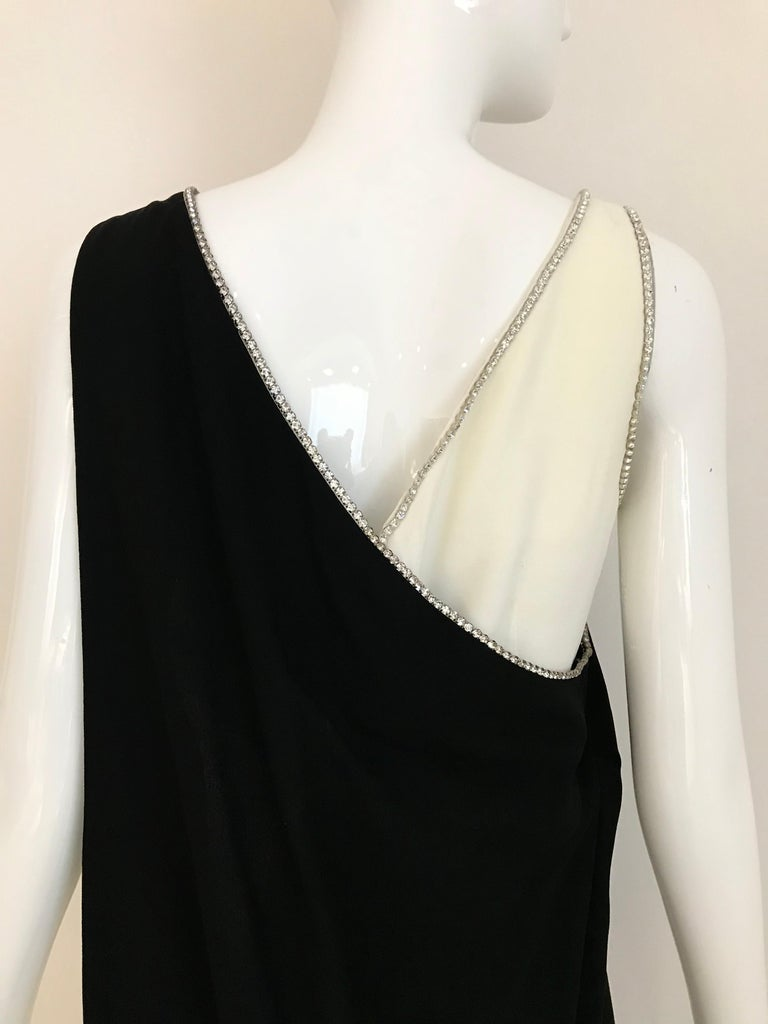 1960s Black and Cream Crepe Gown  For Sale 3