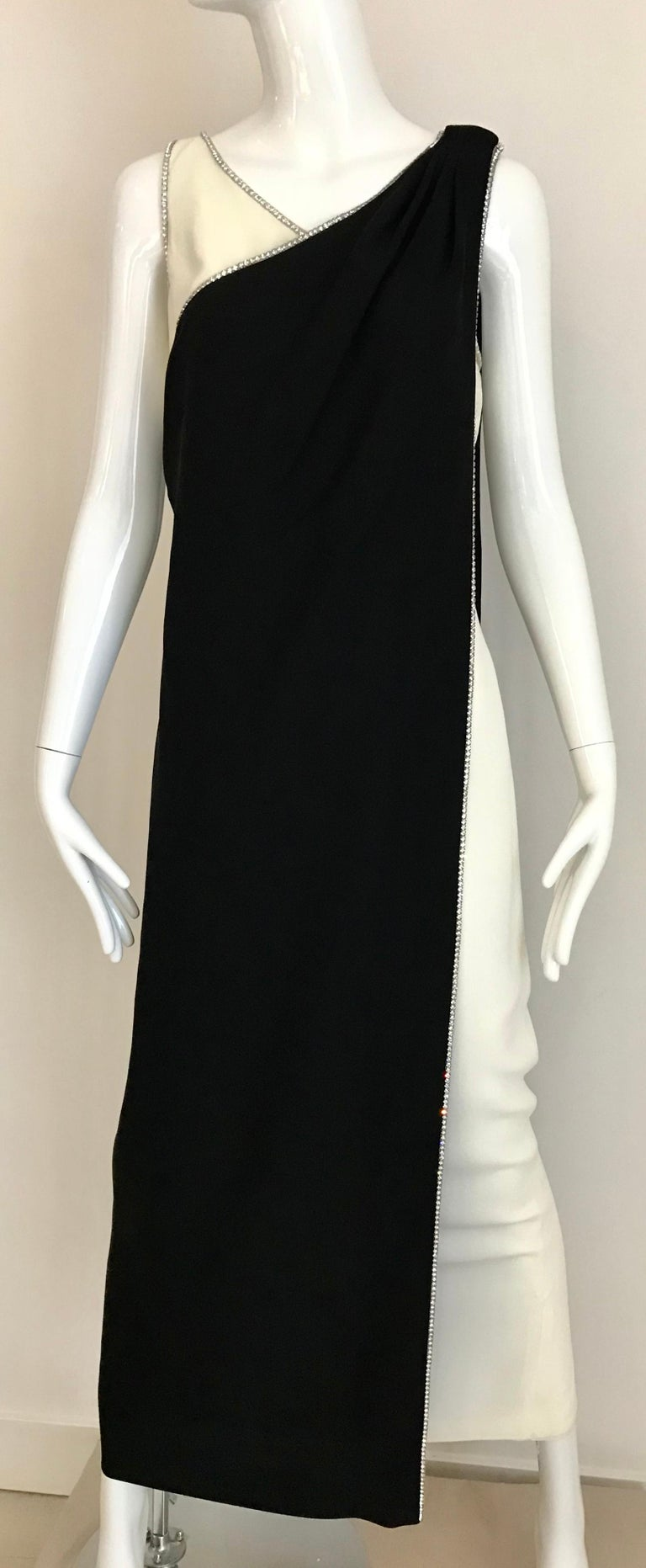 1960s Black and Cream Crepe Gown  For Sale 4