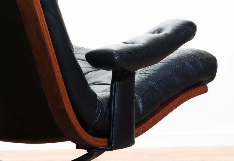 1960s, Black Leather Swivel Chair with Jakaranda Stand by Göte Design Nässjö 4