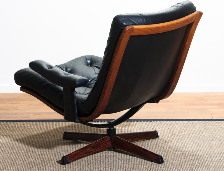 1960s, Black Leather Swivel Chair with Jakaranda Stand by Göte Design Nässjö 5