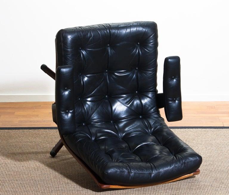 1960s, Black Leather Swivel Chair with Jakaranda Stand by Göte Design Nässjö 7