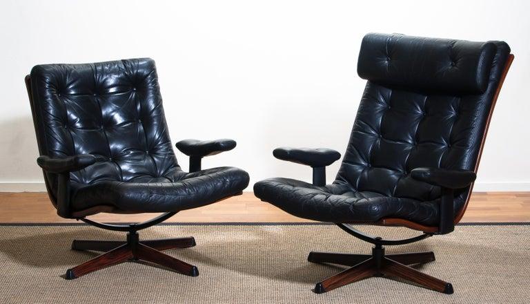 1960s, Black Leather Swivel Chair with Jakaranda Stand by Göte Design Nässjö 8