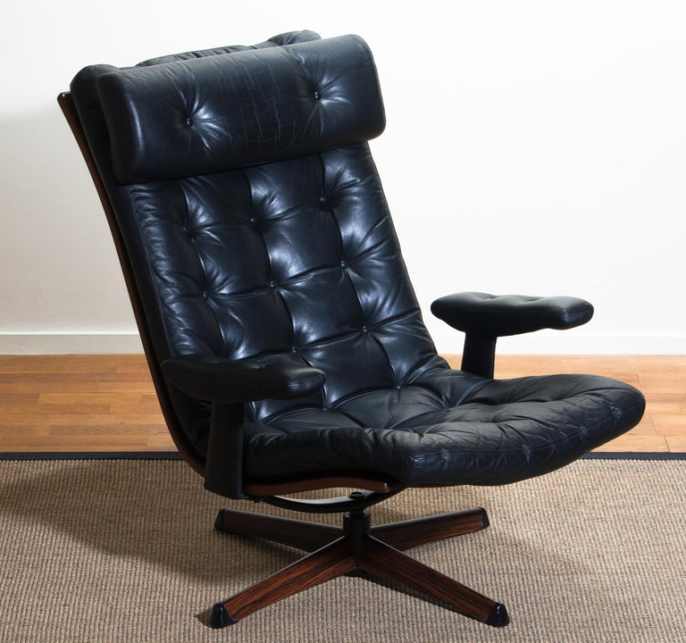 1960s Black Leather Swivel Chair With Jakaranda Stand By