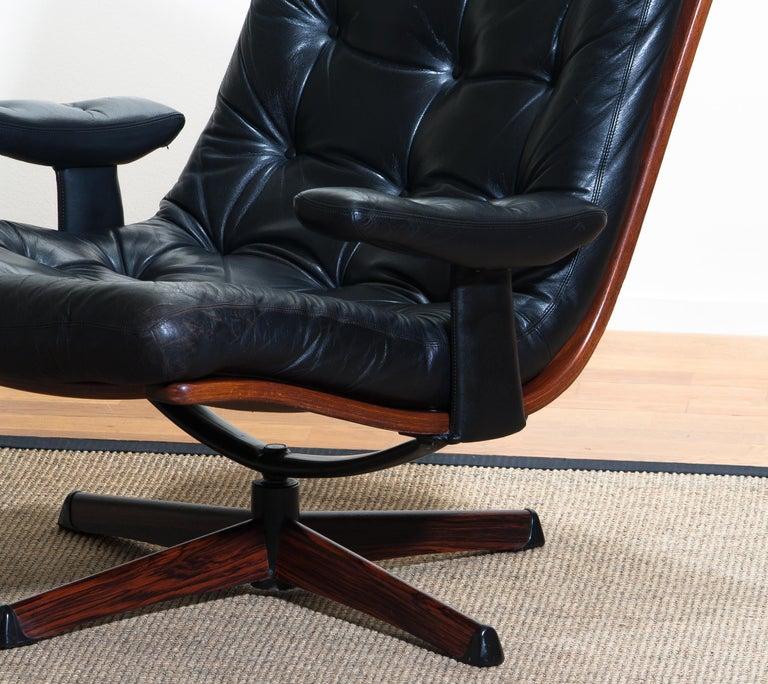 1960s, Black Leather Swivel Chair with Jakaranda Stand by Göte Design Nässjö 1