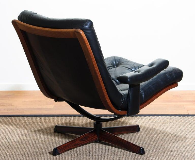 1960s, Black Leather Swivel Chair with Jakaranda Stand by Göte Design Nässjö 3