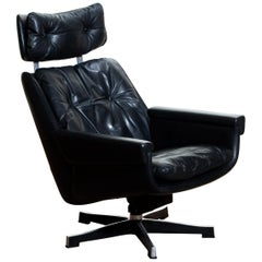 1960s, Black, Soft Leather, Swivel and Rocking Chair by Kurt Hvitsjö for Isku