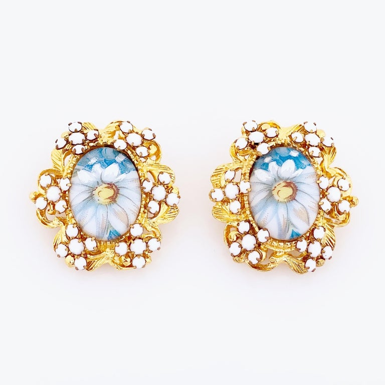 - Vintage item  - Each earring measures 1.25
