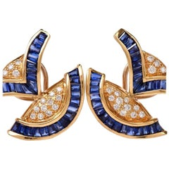 1960s Blue Sapphire Diamond 18 Karat Yellow Gold Clip-On Earrings