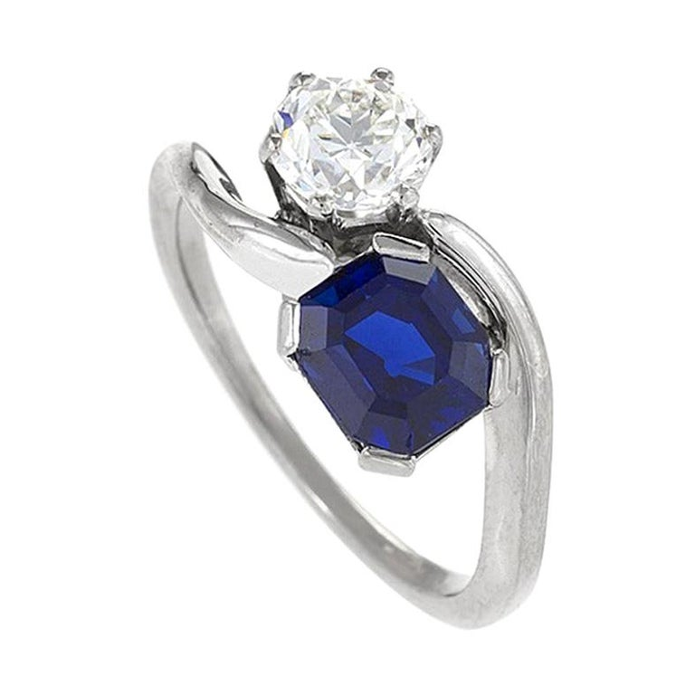 "1960s Blue Sapphire Diamond and Platinum ""Moi et Toi"" Ring For Sale"