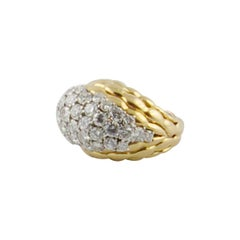 1960s Boucheron Paris Diamond 18 Karat Yellow Gold Ring