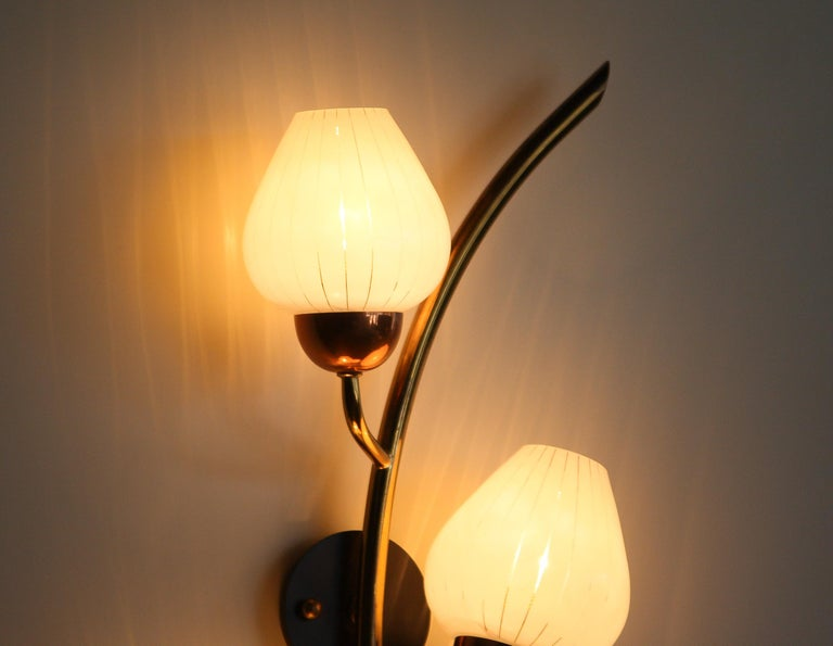 1960s Brass and Glass Wall Light Scone In Good Condition In Silvolde, Gelderland