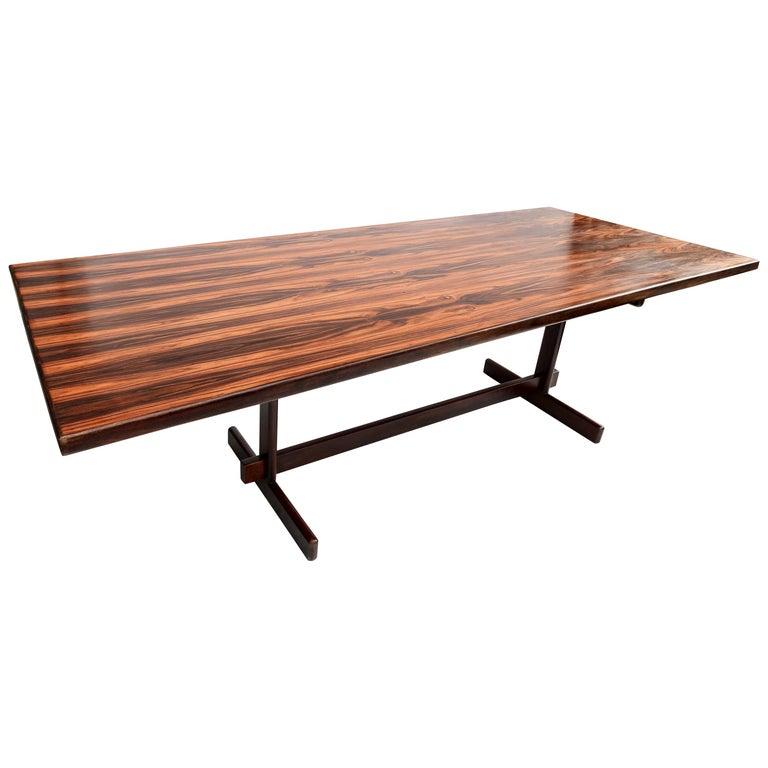 1960s Brazilian Jacaranda Wood Dining Table for Eight For Sale