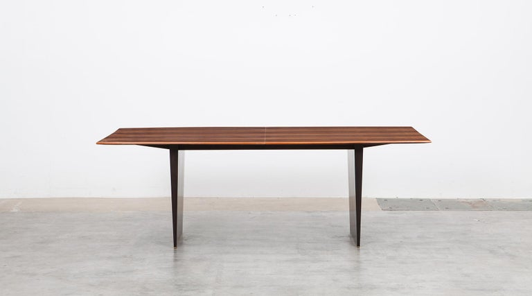 1960s Brown Tawi Wood Dining Table by Edward Wormley 'B' In Excellent Condition For Sale In Frankfurt, Hessen, DE