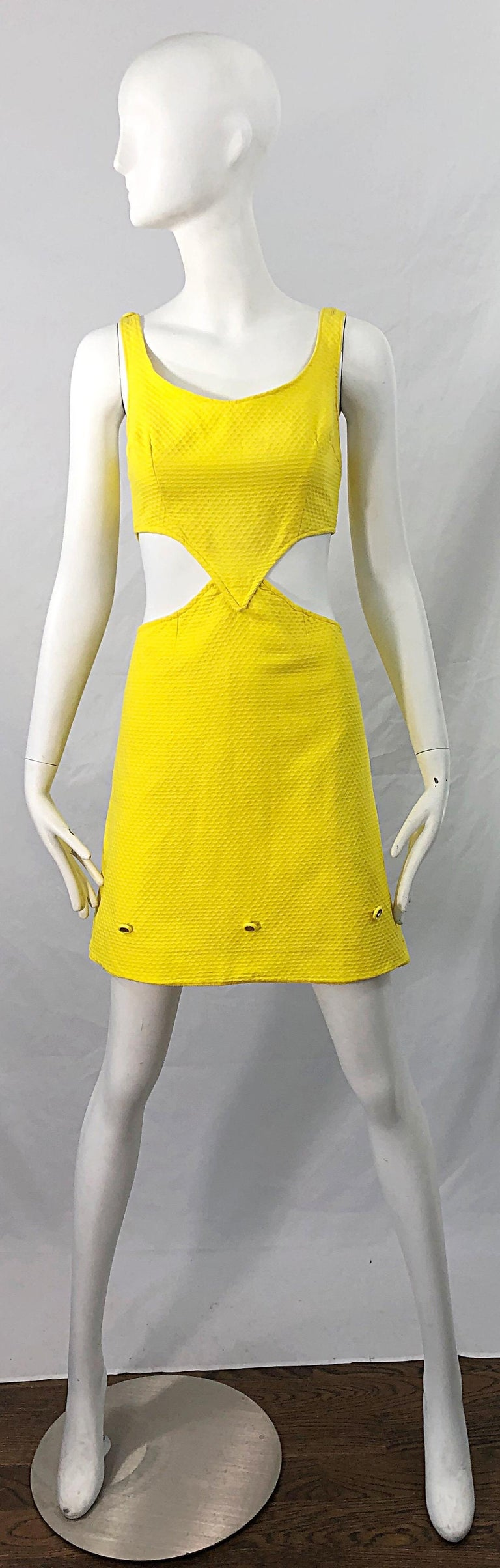 1960s Canary Yellow Cut - Out Honeycomb Cotton Vintage 60s A Line Dress For Sale 7