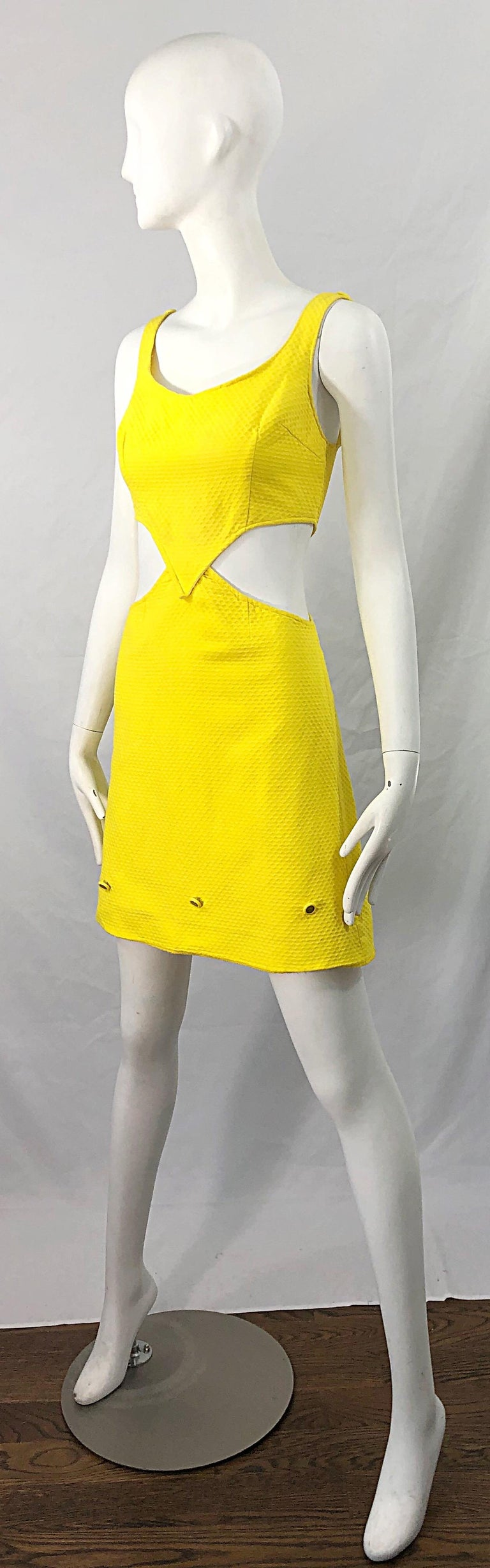 1960s Canary Yellow Cut - Out Honeycomb Cotton Vintage 60s A Line Dress For Sale 1