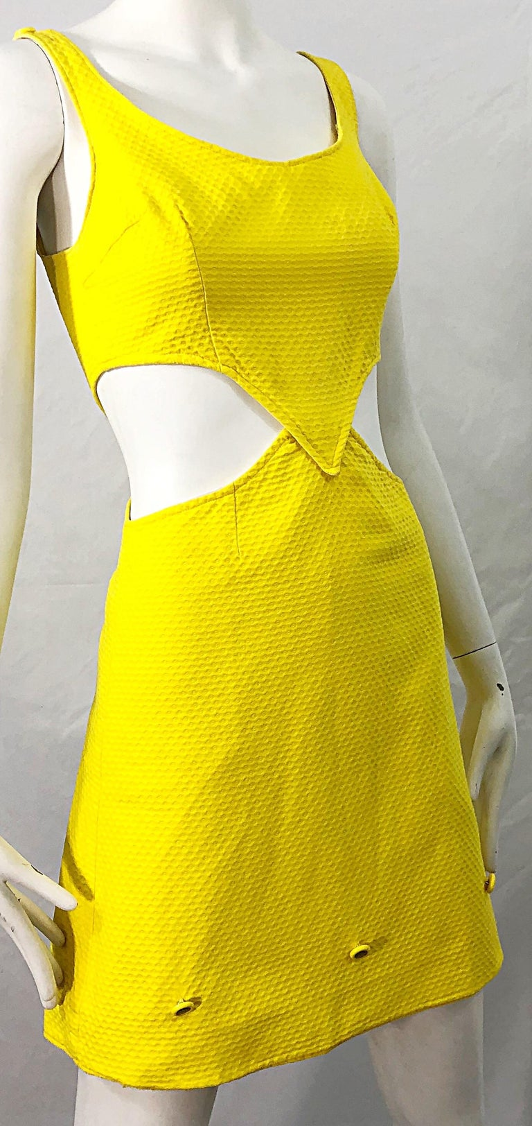 1960s Canary Yellow Cut - Out Honeycomb Cotton Vintage 60s A Line Dress For Sale 2
