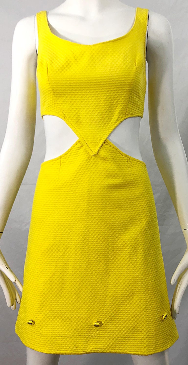 1960s Canary Yellow Cut - Out Honeycomb Cotton Vintage 60s A Line Dress For Sale 3