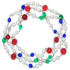 1960s Chanel Gripoix Glass and Pearl Station Necklace