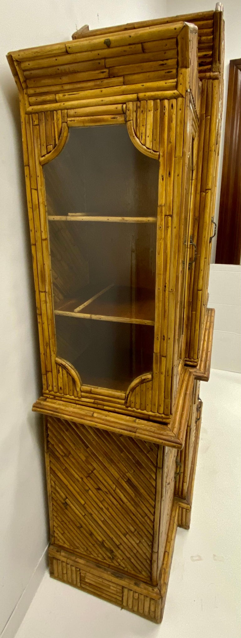 1960s Chinese Chippendale Style Pencil Bamboo Cabinet In Good Condition For Sale In Kennesaw, GA