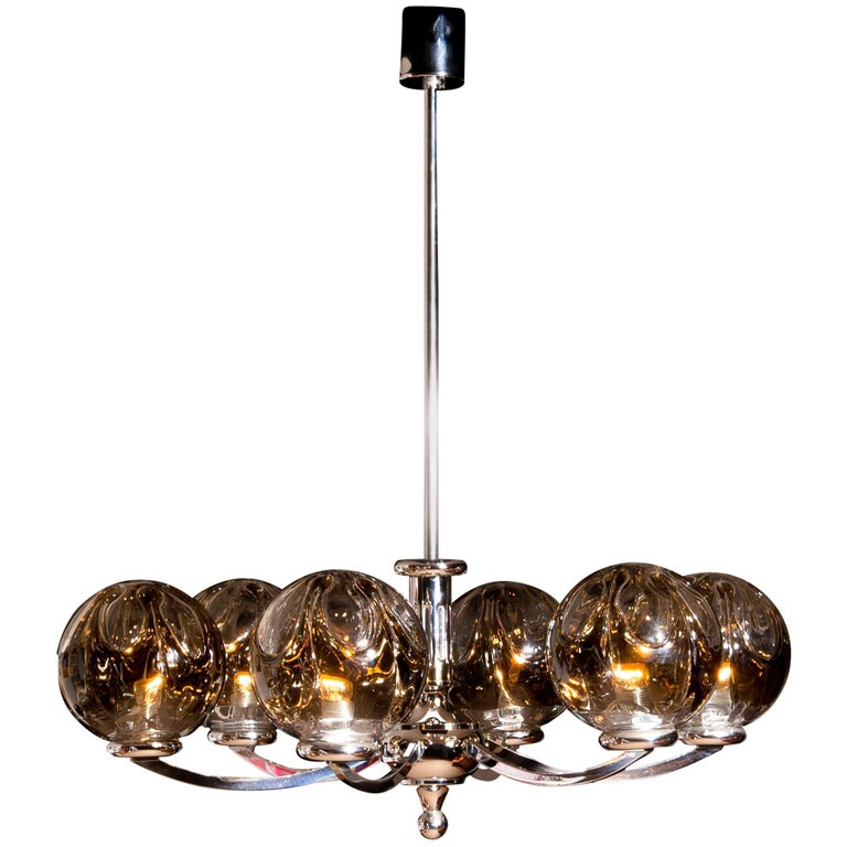 Exceptional beautiful chandelier made by Kaiser Leuchten in excellent condition.