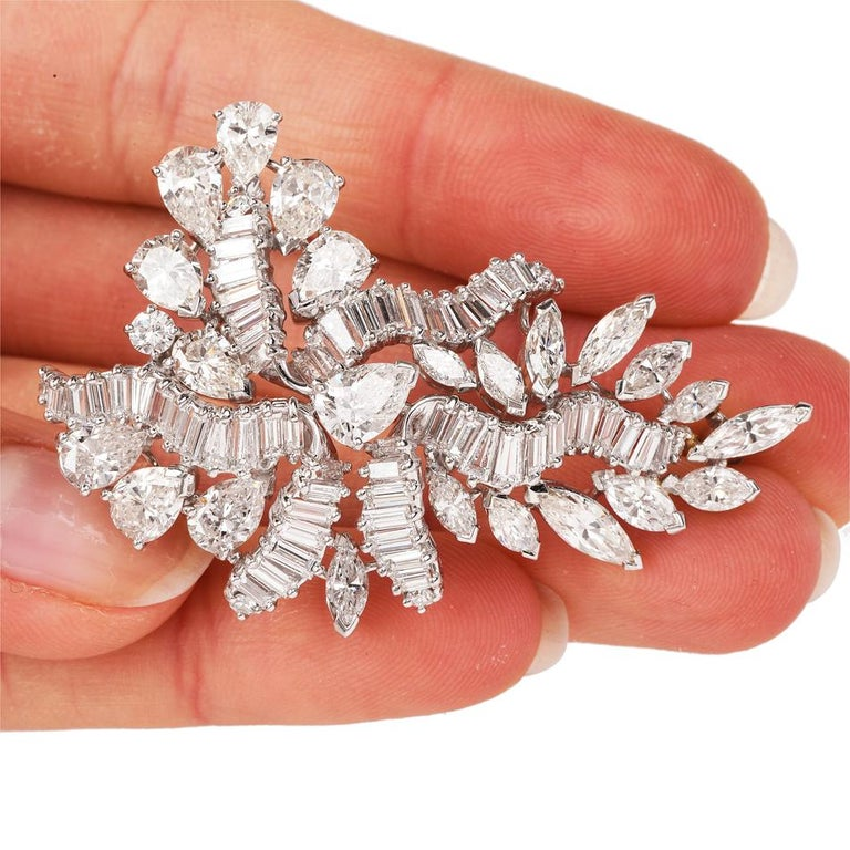 1960s Cluster Diamond Swirl Platinum Pin Brooch In Excellent Condition For Sale In Miami, FL
