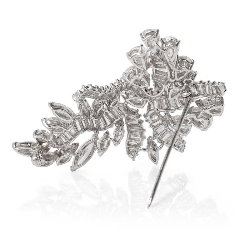 1960s Cluster Diamond Swirl Platinum Pin Brooch For Sale 1