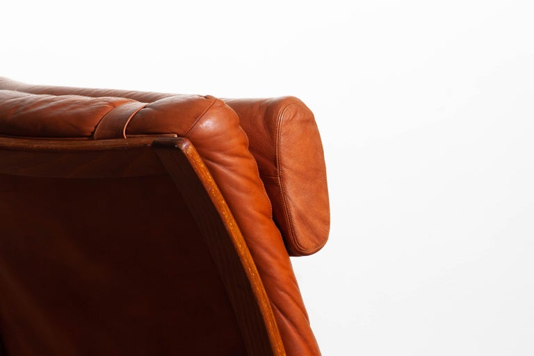 1960s, Cognac Leather Swivel / Relax Lounge Easy Chair by Göte Design Nässjö For Sale 4
