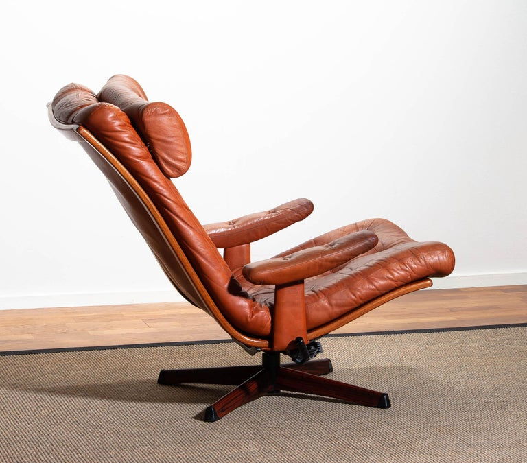 1960s, Cognac Leather Swivel / Relax Lounge Easy Chair by Göte Design Nässjö In Good Condition For Sale In Silvolde, Gelderland