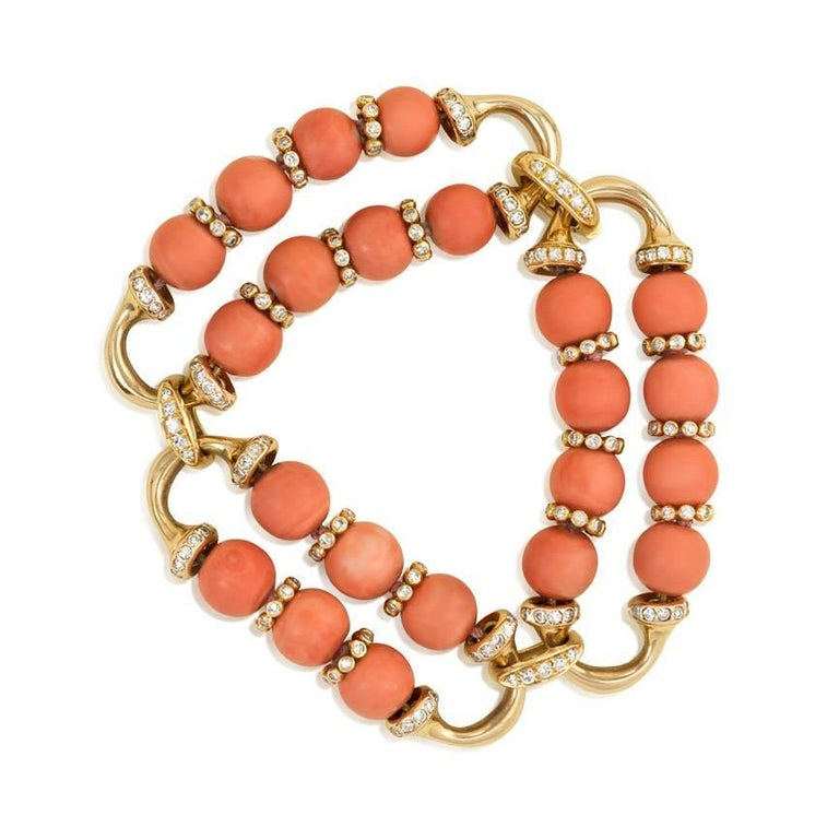 1960s Coral Diamond Gold Bracelet In Excellent Condition For Sale In New York, NY