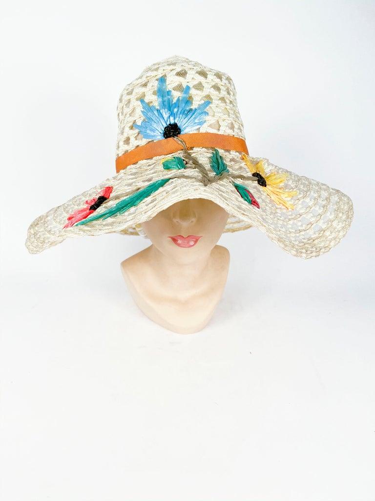 Women's 1960s Creme Raffia Beach Hat with Raffia Flower Embroidery For Sale