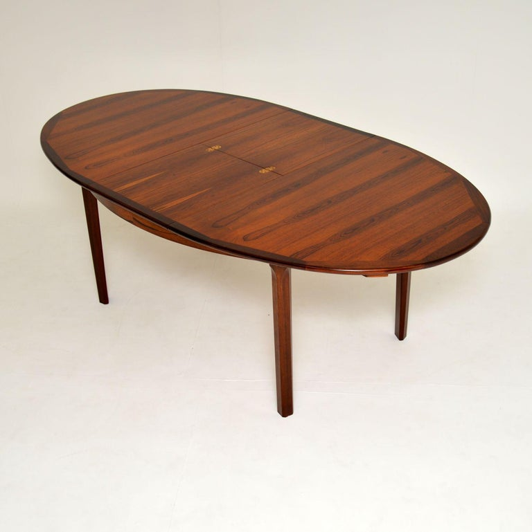 Mid-Century Modern 1960s Danish Extending Dining Table For Sale